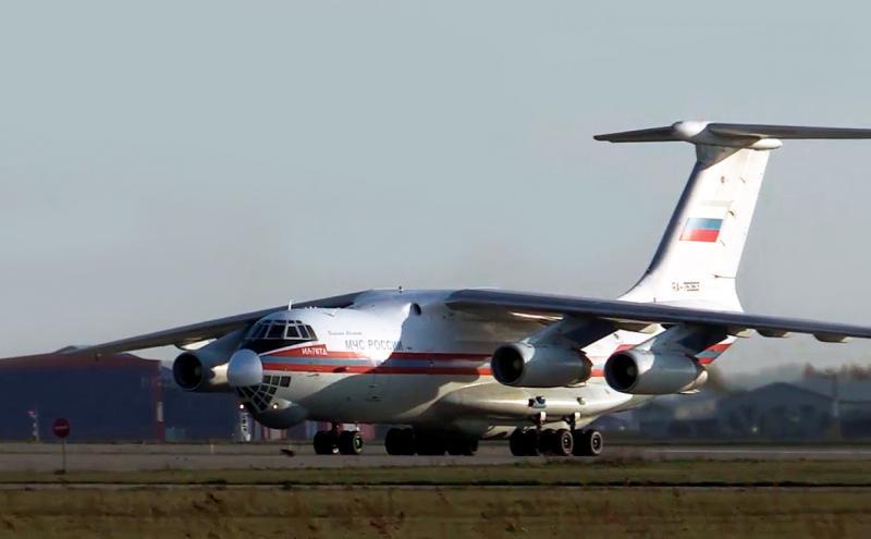 В Жуковском благополучно приземлился самолет МЧС Ил-76 со сработавшим аварийным датчиком
