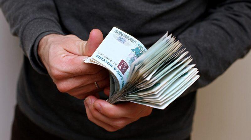 Жителям региона рассказали, что делать, если работодатель отказывается платить зарплату в период нерабочих дней